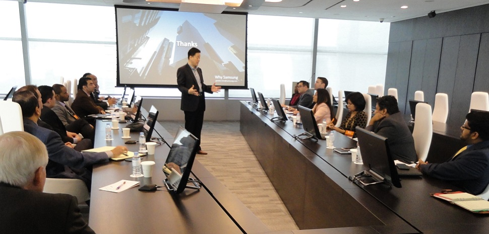 UT Dallas students get an exclusive, and rare, opportunity to meet with a senior corporate leader at Samsung while in Seoul.